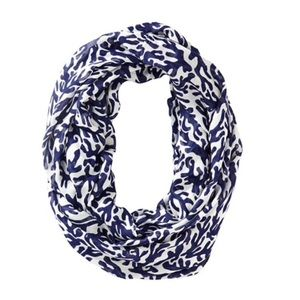 Riley infinity loop scarf treasure